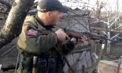 Россияне развлекаются, стреляя в украинские дома.